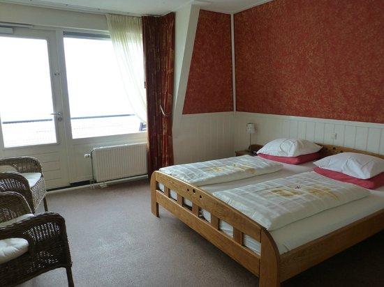 Strandhotel Noordzee : Our room