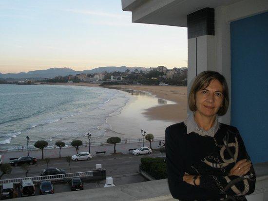 Hotel Chiqui: La playa de El Sardinero desde la terraza de la habitación