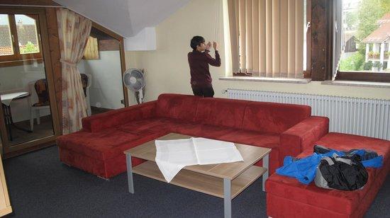 Appartement Gästehaus Köpf: Oturma odası