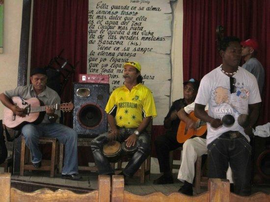 Baracoa, Kuba: che chitarra!!