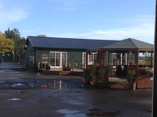 Scottish Equestrian Hotel: The courtyard