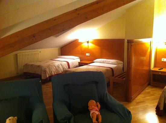 Hotel Bonavida : Zona camas pequeñas