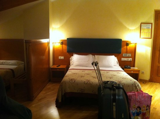 Hotel Bonavida : zona cama matrimonio
