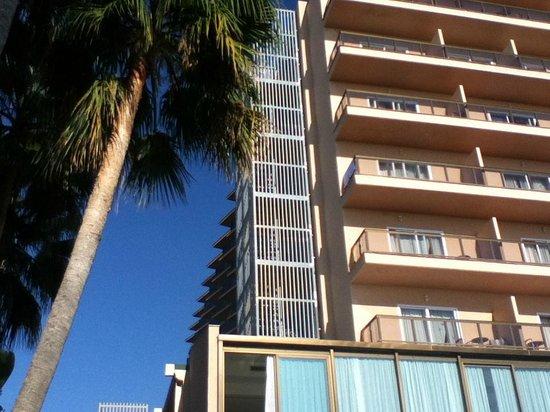 SENTIDO Amaragua: Poorly placed fire escape
