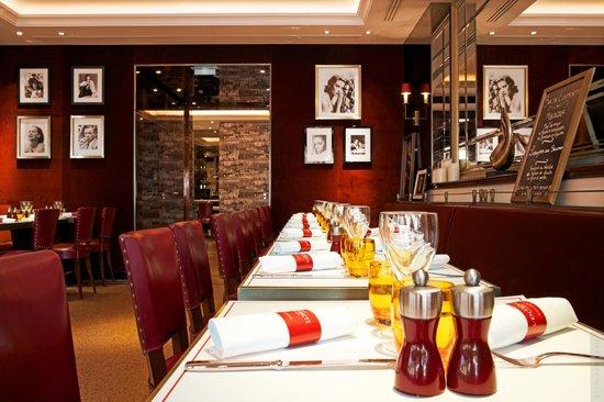Hotel Montaigne: Bar de L'Entracte 1