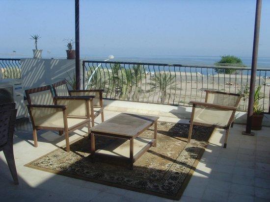 Lanavilla Guest House: terrace