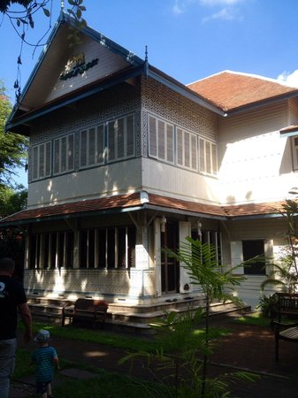 Baan Orapin Bed and Breakfast : Teak house