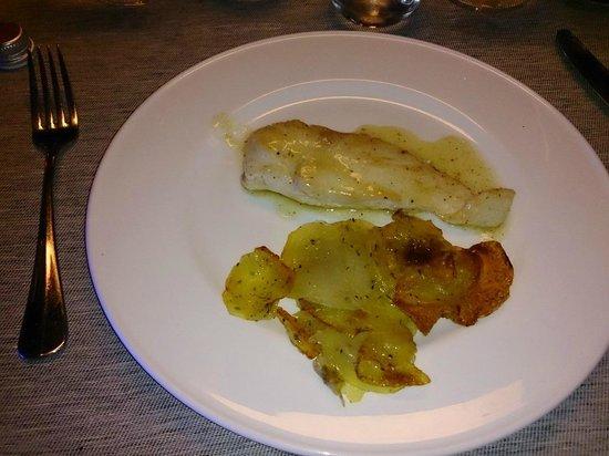 Black Hotel: Filet de poulet et le 1/8ème de pomme de terre en lamelles