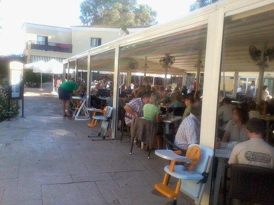 Malama Beach Holiday Village: Main Restaurant