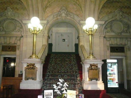 Grand Royale Hotel: lobby