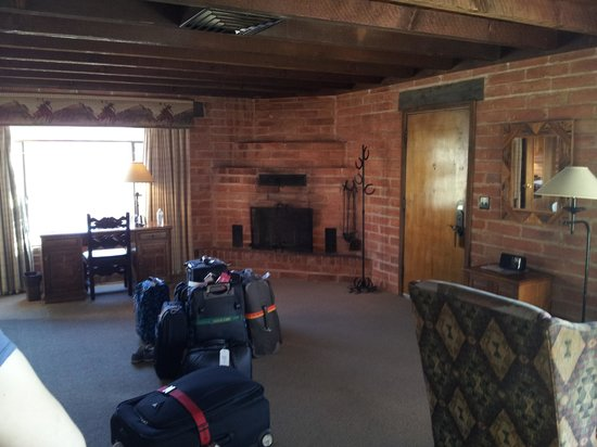 Tanque Verde Ranch: room 21 lounge area