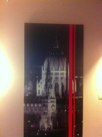 Carat Boutique Hotel: Картина в номере