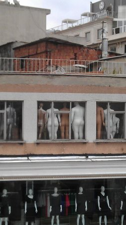 Maya Hotel: Живописный вид из окна)