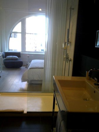 Ames Boston Hotel, Curio Collection by Hilton: Bathroom