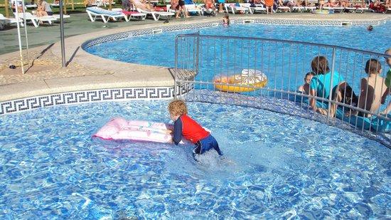 Albir Garden Resort: pool area