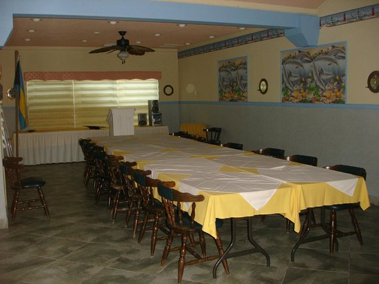Hideaways at Palm Bay: BZZ Center