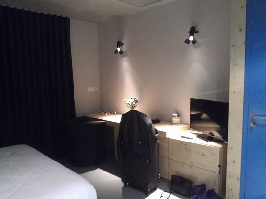 foto de les loges du th tre lyon chambre bleue tripadvisor. Black Bedroom Furniture Sets. Home Design Ideas