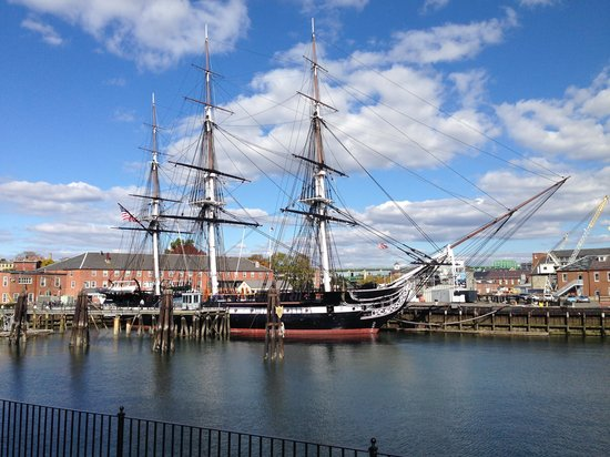 Boston Marriott Long Wharf: USS constitution ( 45 mins walk from hotel )
