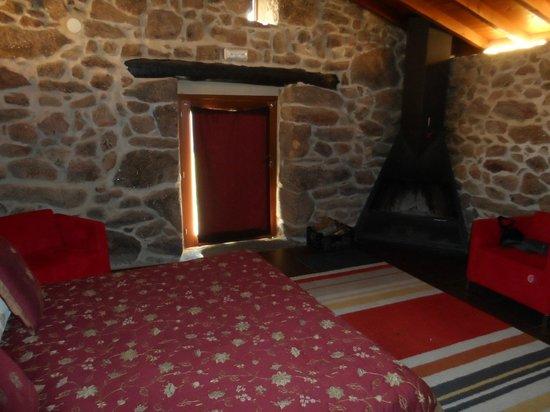 Rectoral de Ansemil : interior cabaña