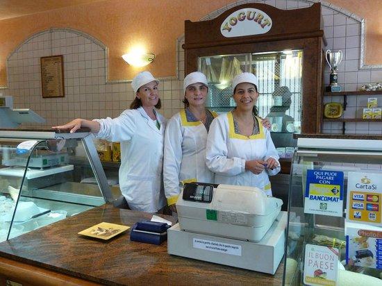 Caseificio Broccatelli: Enrica, Patrizia, Loredana