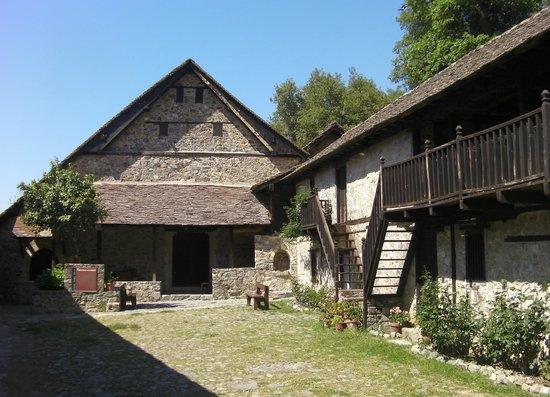 Ioannis Lampadistis (John Lampadistis Monastery): Monastery