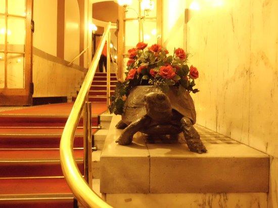 Hotel Furstenhof: Qualche scalino all'ingresso