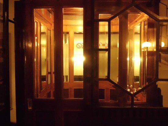 Hotel Fürstenhof: Ascensore vecchio ma ben funzionante!