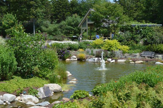 Coastal Maine Botanical Gardens: A fountain at the gardens.