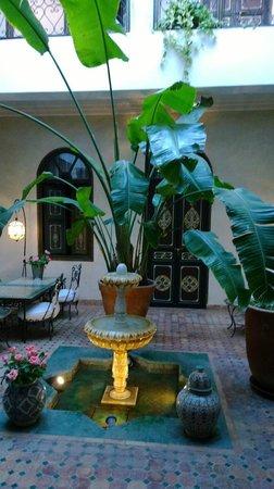 Riad Bamaga Hotel : Courtyard