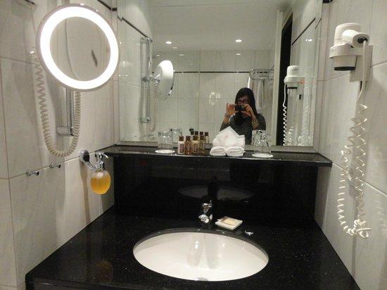 Sheraton Munchen Westpark Hotel : bagno