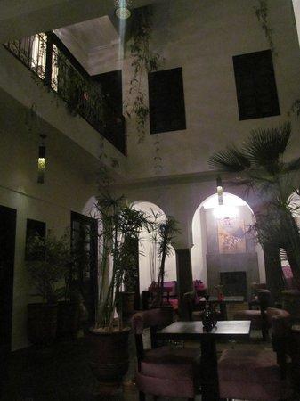 Ryad Amiran: Dining and main area.