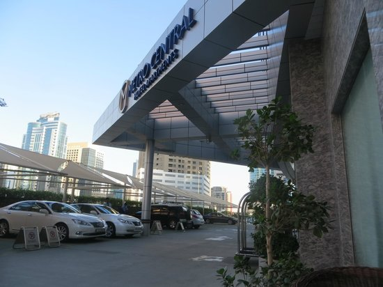 Auris Metro Central Hotel Apartments: Hotel