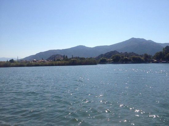 Jumali House: tour of the lakes
