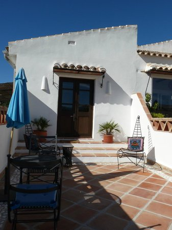 Finca Los Pinos Guesthouse: terrasse de la chambre
