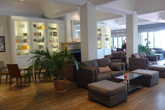 Soleil Vacances Beach Hotel: Hall