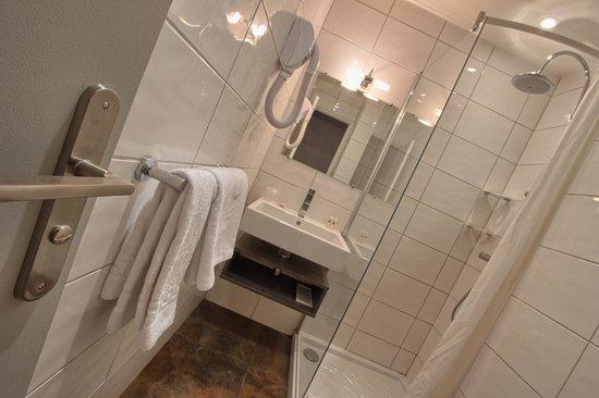 Timhotel Boulogne Rives De Seine: Salle de bains
