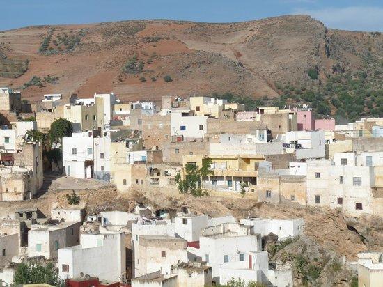 Dar KamalChaoui: vue du village de Bhalil depuis la terrasse