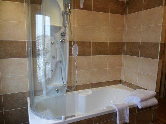 Hotel Borel: superbe histoire d'eau!