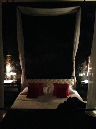 Riad Lola: Our bedroom