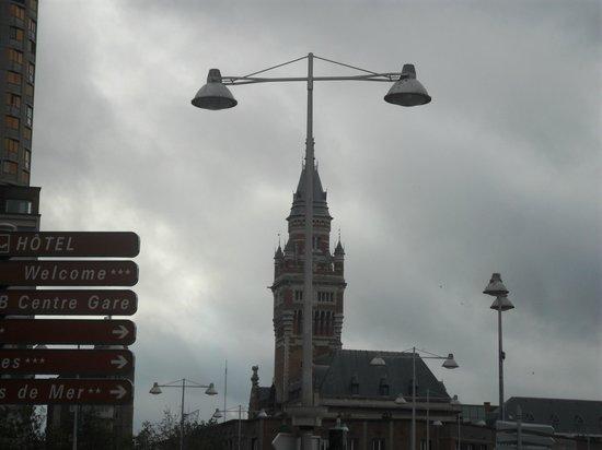 Hotel Borel: Dunkerque, son éclairage public et son Hôtel de Ville
