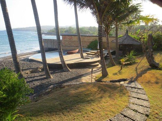 Jasri Bay Hideaway : Villa Kelapa private pool area