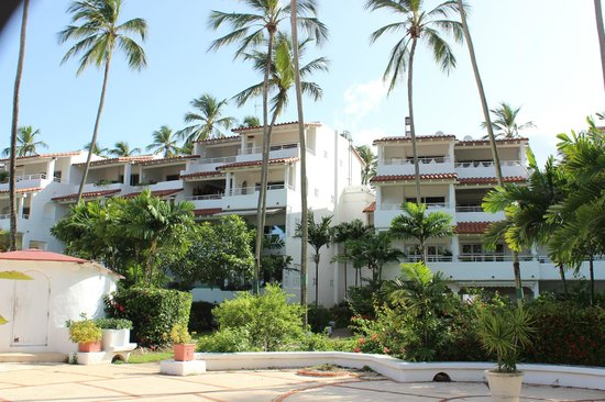 Glitter Bay Suites: One, two and three bedroom apartments