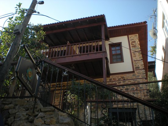 Hotel Villa Turka: Lower rooms - double with connecting hall and separate balconies