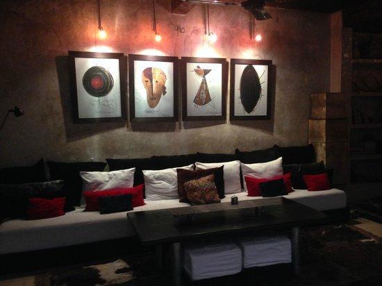 Riad Lola: The living room