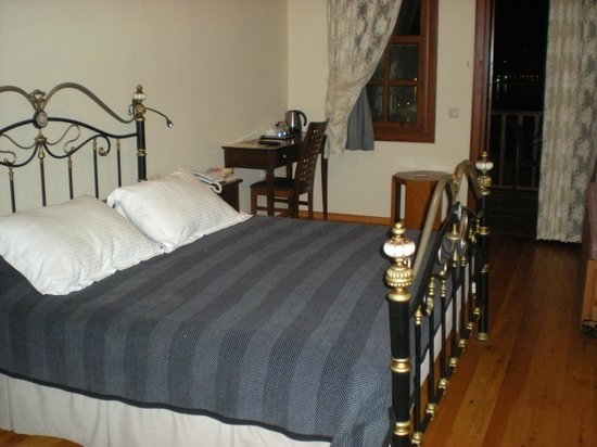 Hotel Villa Turka: Double room on lower level with balcony