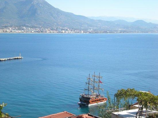 Hotel Villa Turka: Taurus mountains and view of Alayna