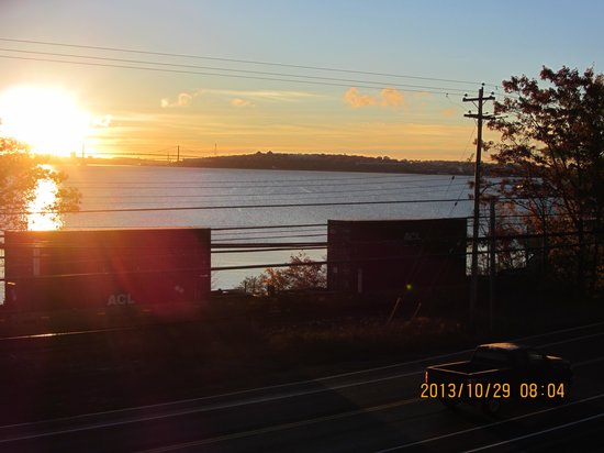 Comfort Inn Halifax: Freight Train Going By the Basin at Sunrise