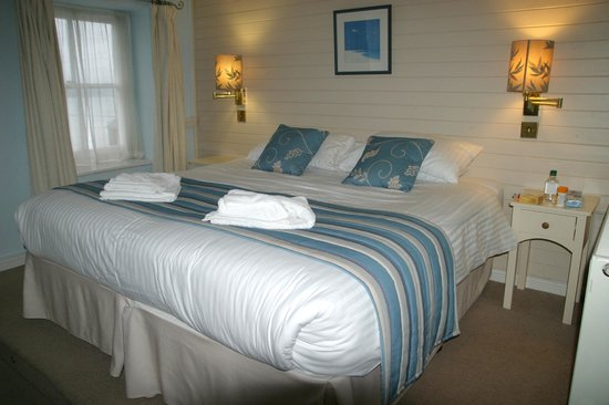 Marazion Hotel: bedroom was gorgeous