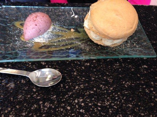 L'Escapade Marseillaise : Macaron figue navette et sa glace