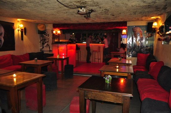 Balo pub